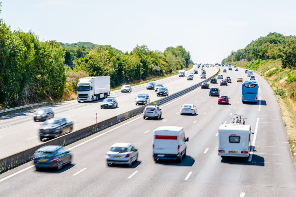 Heavy but fluid traffic on the eight-lane highway